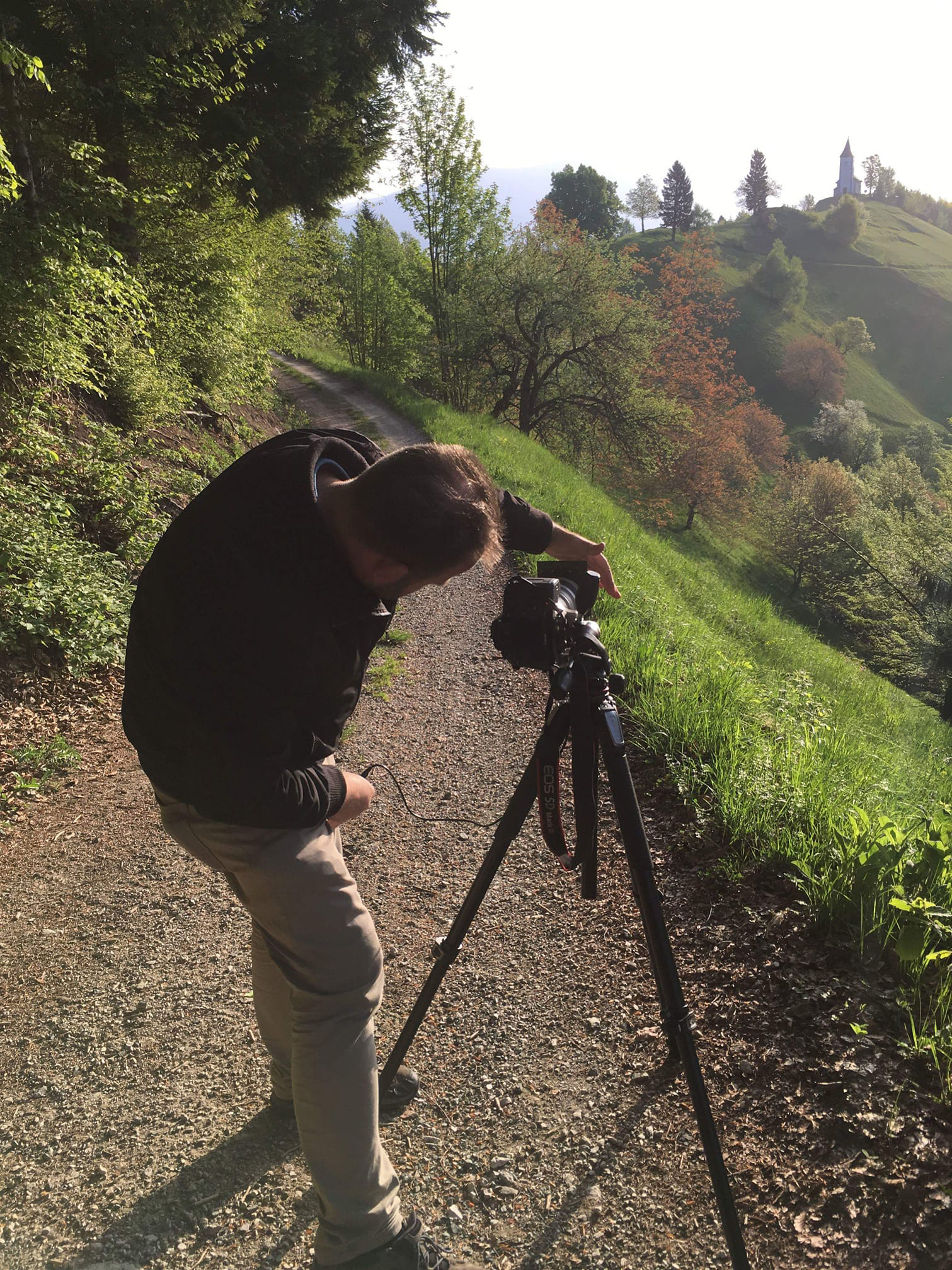Photographer Ian Middleton showing how to avoid lens flare